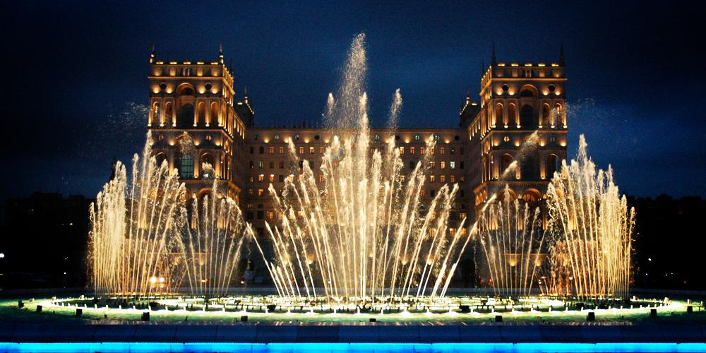 [home] Baku-Fontana-palazzo-del-governo_1